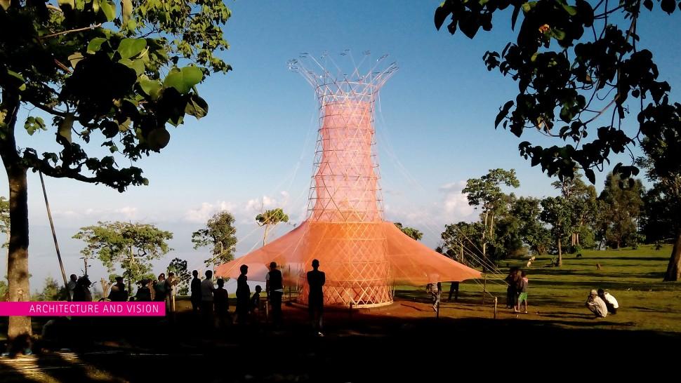 Foto 1 - Torre bambu faz água