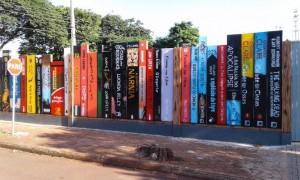 muro-livros-foto-1